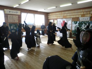 剣士たちの掛り稽古の様子(^^)!
