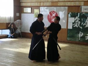 緊張感溢れる見事な剣道形でした!