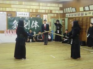 一般の部では先生方も真剣な試合を行いました(^^)!