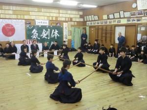 最後に木刀による剣道基本技稽古法の審査です!この結果、受験者全員が見事合格いたしました(^^)!おめでとう!!