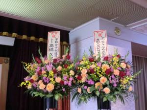 壇上を飾るお花